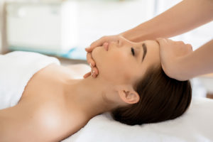 5 Amazing Benefits of Getting a Facial